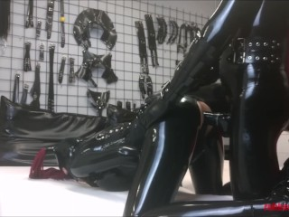 Hard doggy style latex sex in full black catsuits enclosure