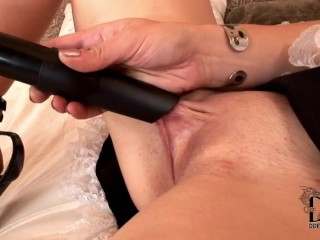 GIRL USES VACUUM AS SEX TOY